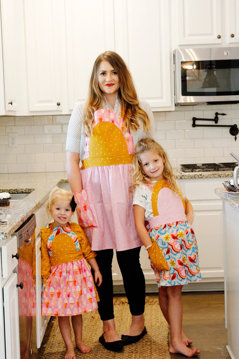 Image of the ICE CREAM SODA apron PDF pattern women's + kids sizing
