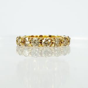 Image of 18ct Yellow Gold Full Circle Diamond ring
