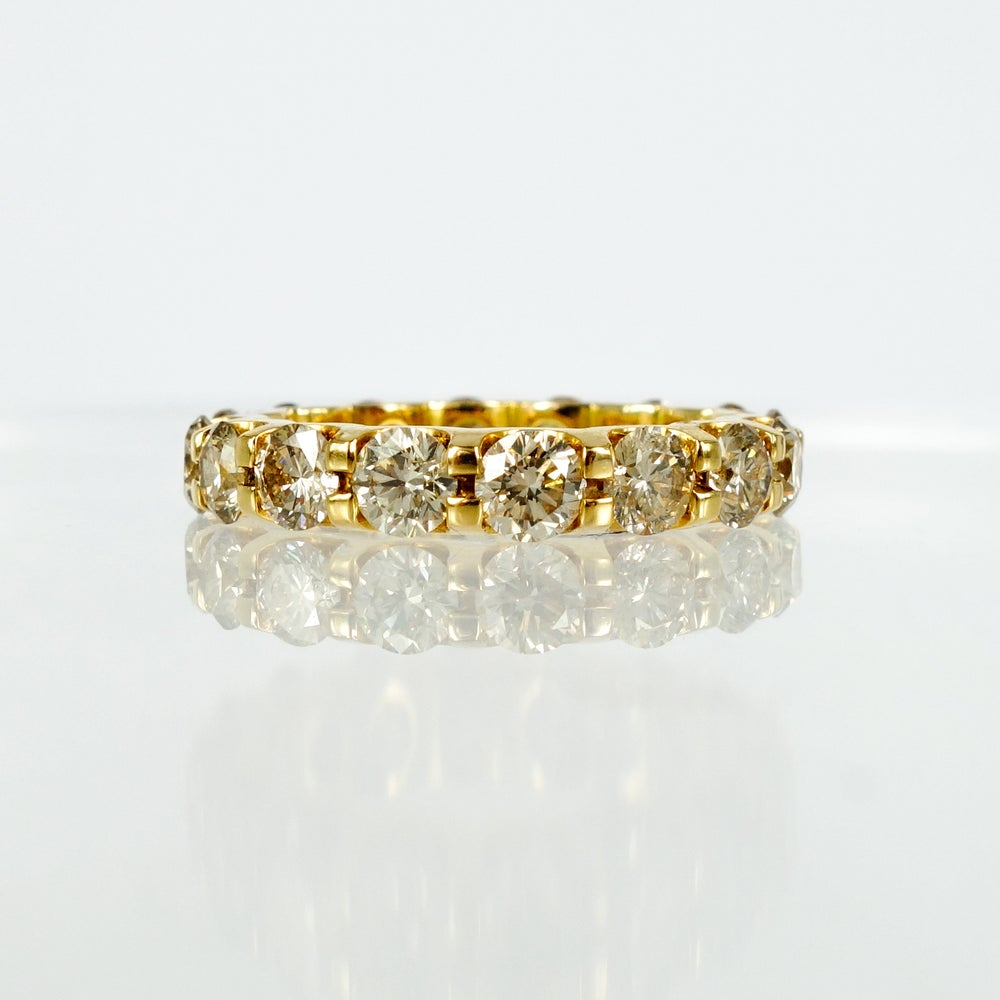 Image of 18ct Yellow Gold Full Circle Diamond ring