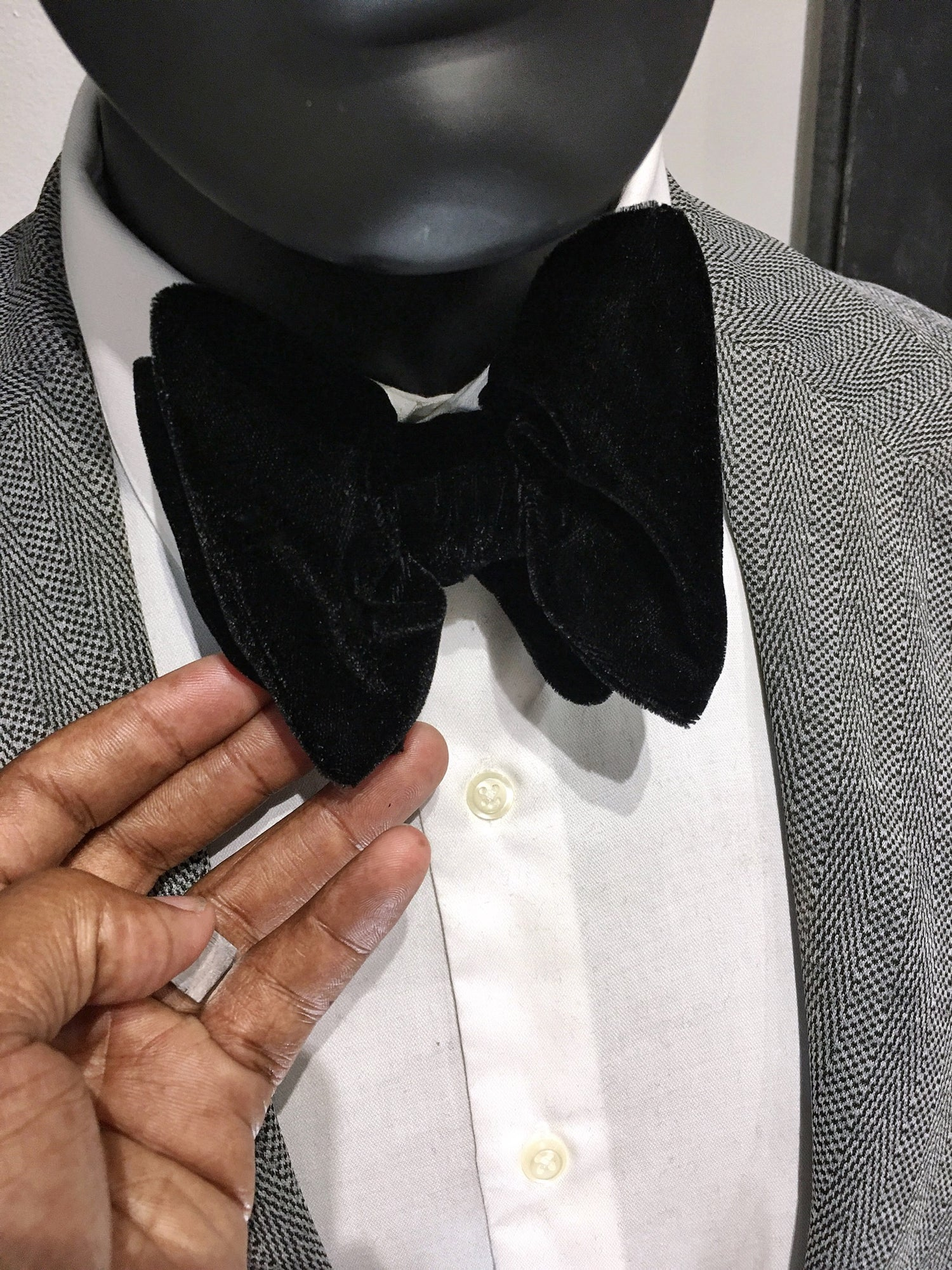 Image of OVERSIZED SELF TIE | EVENT BOWTIE