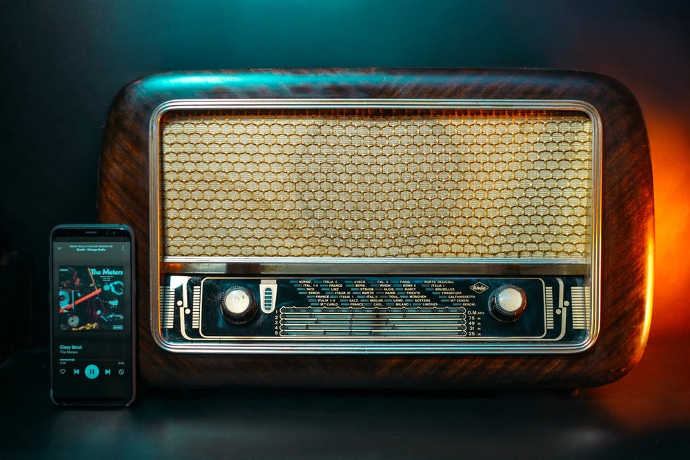 Image of UNDA COMO R65-4 (1955) RADIO D'EPOCA BLUETOOTH