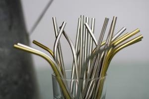 Image of Lot de pailles en inox courbées