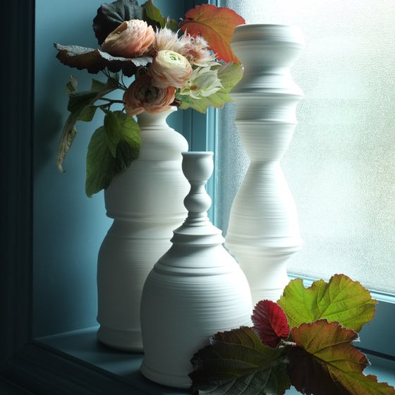 Image of Bellflower Vase #902, Warm White