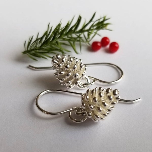 Image of Simple Pine Cone (Silver)