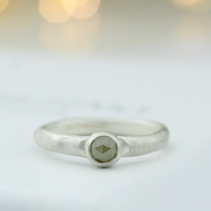 Image of Grey diamond ring