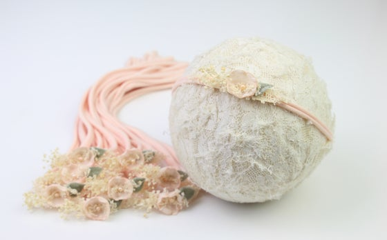 Image of Peach Sweet Petite Tieback