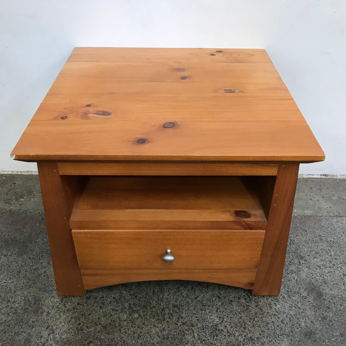 Image of SOLID PINE SIDE TABLE