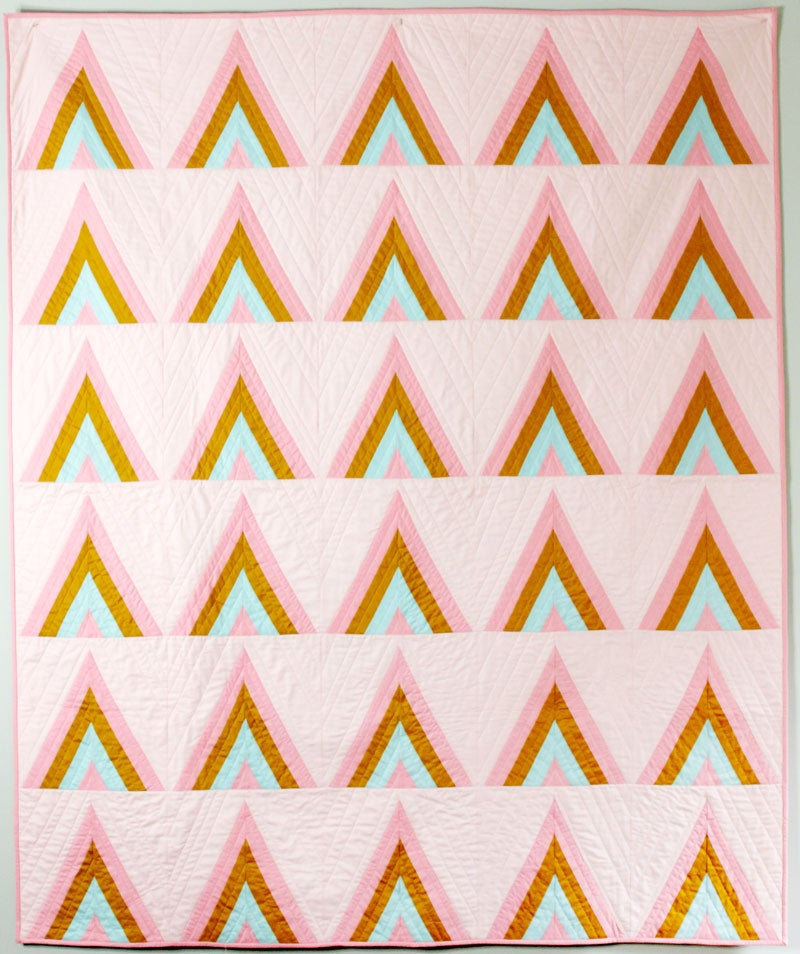 Image of the MODERN ARROWS quilt PDF pattern