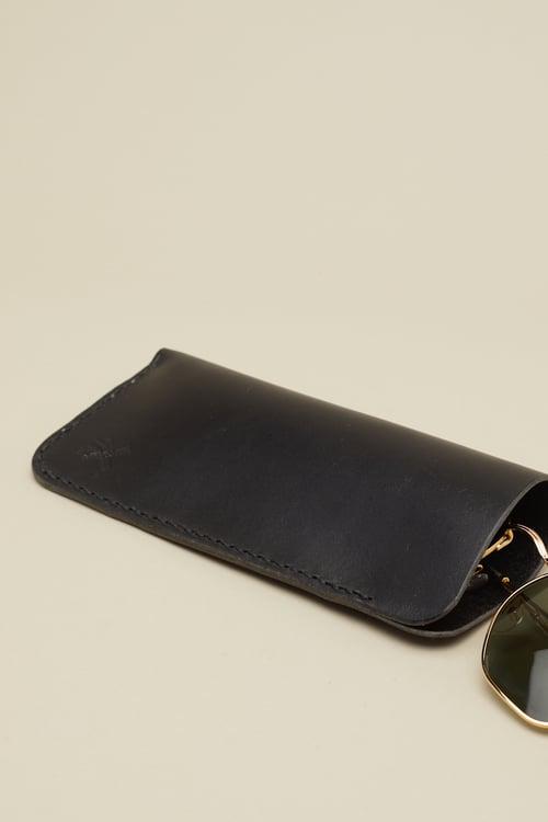 Image of Glasses Slip in Coal