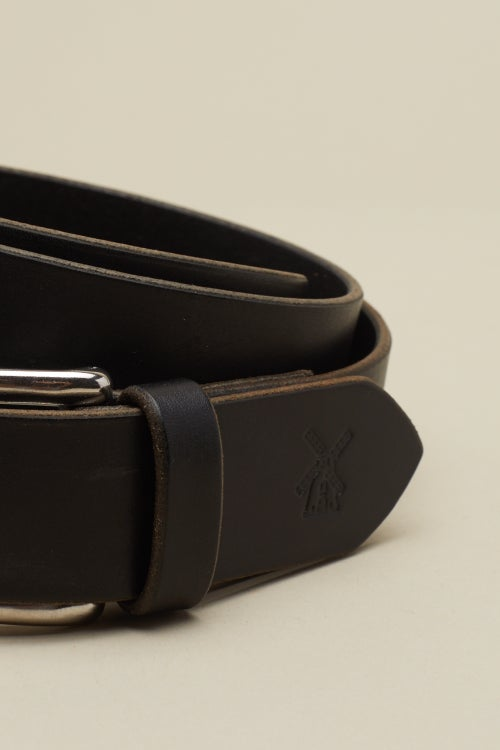 Image of Classic Buckle in Coal