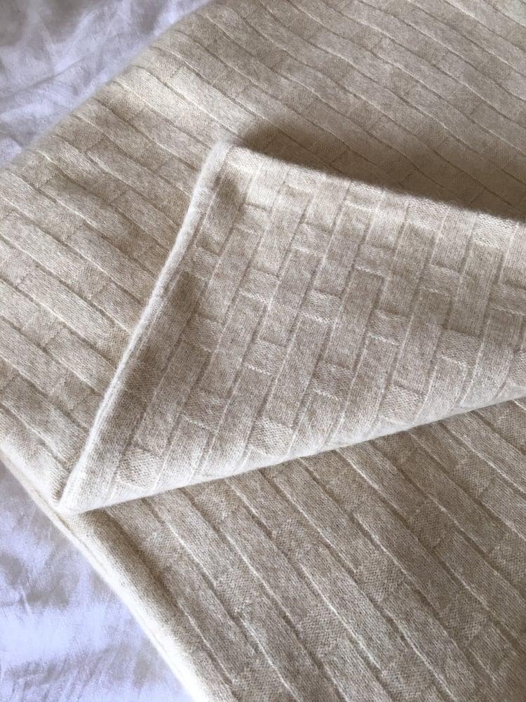 Image of Luxury Possum Flax Pattern Blanket
