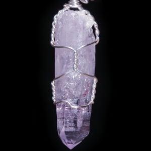 Image of Vera Cruz Amethyst Crystal Handmade Pendant with Leaf