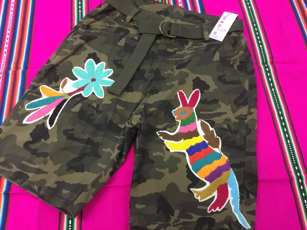 Image of Camo short with otomi embroidery💖