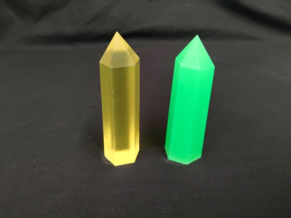 Image of Resin crystal Cosplay / Dungeons and Dragons Prop Kryptonite Superman