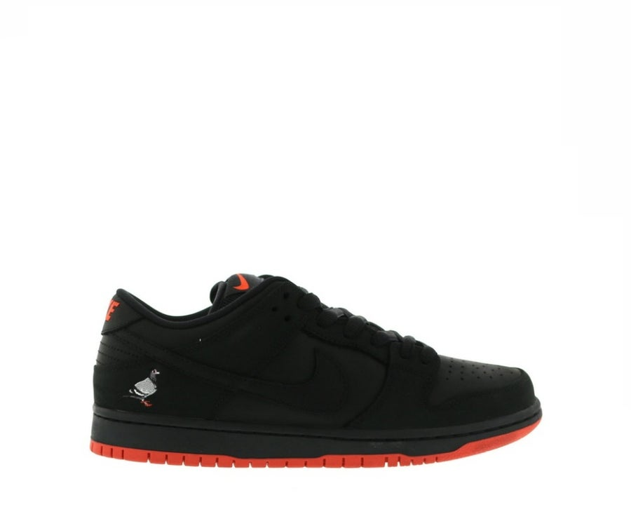 Image of NIKE SB DUNK LOW BLACK PIGEON 883232-008
