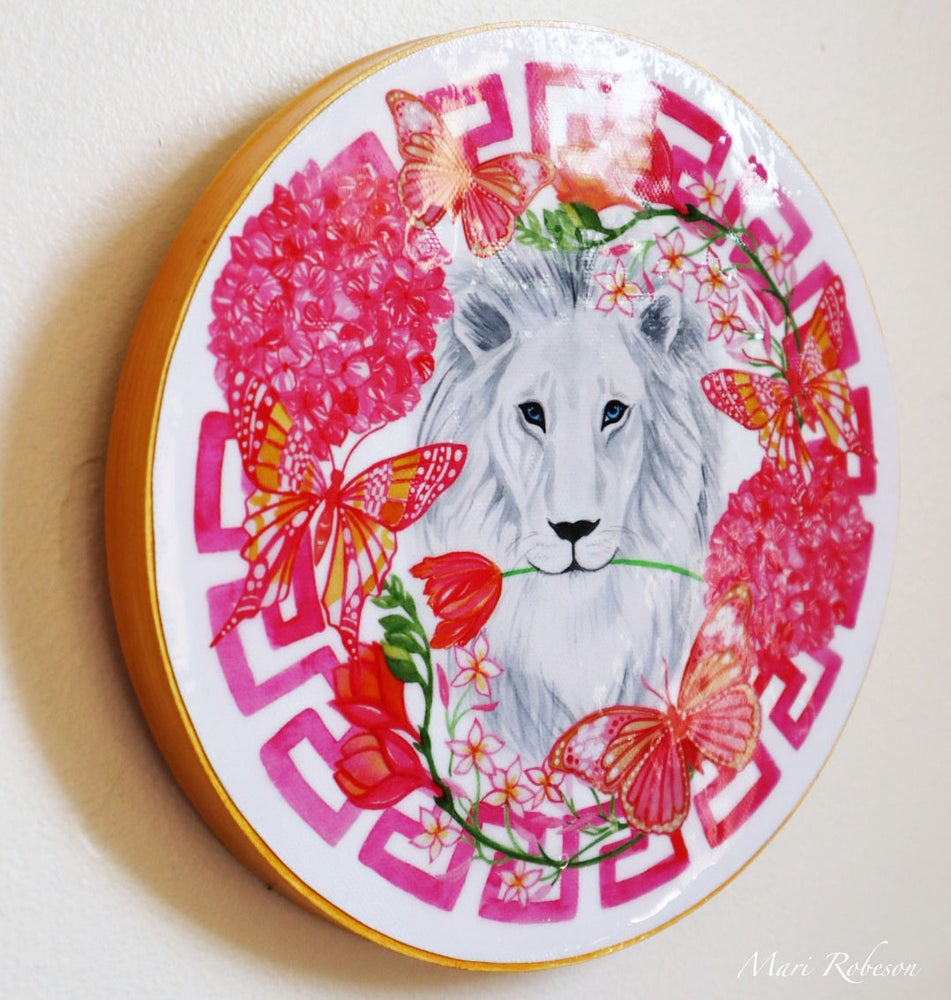 Image of White Lion Resin Art Plaque