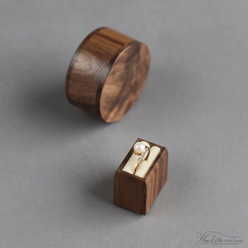 Image of Round engagement ring box - ring holder - proposal ring box by Woodstorming