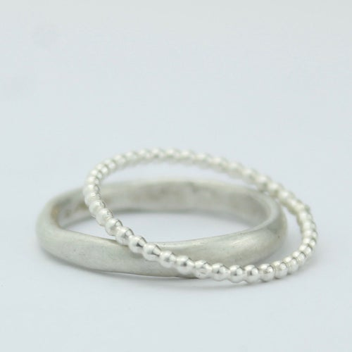 Image of NARROW ORGANIC RING IN SILVER