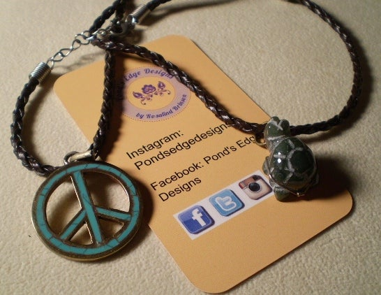 Image of Namaste Pair 2 - Peace Sign and Turtle