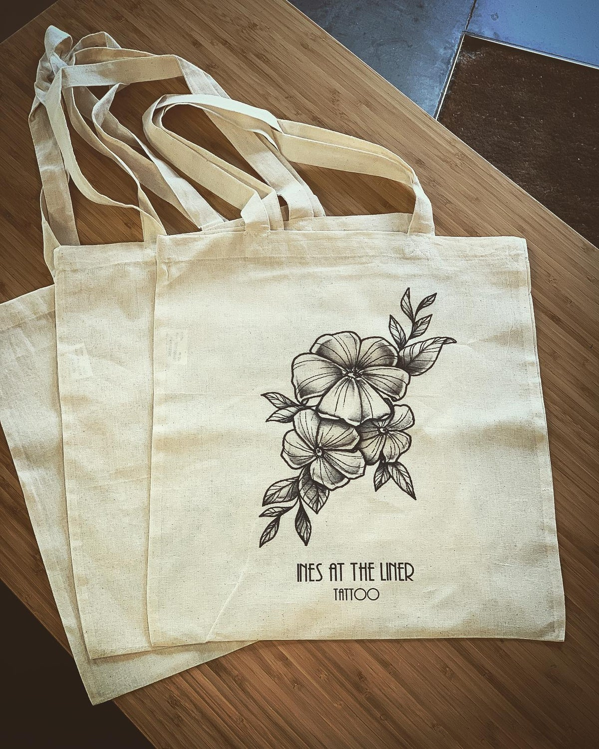Image of Totebag Ines at the Liner