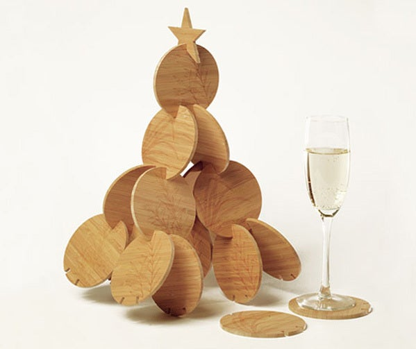 Image of BAMBUM, the christmas tree made of bamboo coasters.