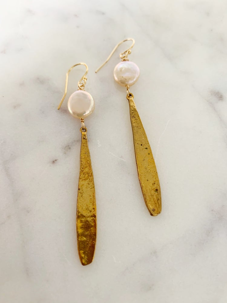Image of Coin Pearl Earrings