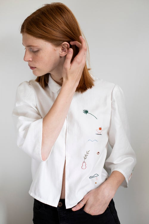 Image of Mellow shapes of October - 1st Damaja designed shirt, made of 100% organic cotton in Berlin