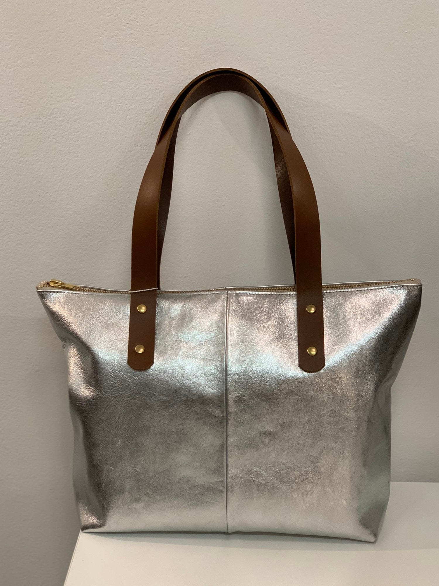 Image of Mini Tote Zip