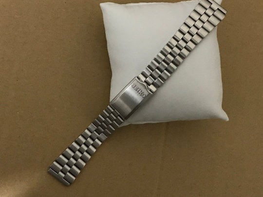 Image of SEIKO SOLID S/STEEL UFO GENTS WATCH STRAP,STRAIGHT LUG,19MM,NEW,( SS-5)