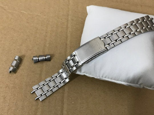 Image of SEIKO SOLID S/STEEL GENTS WATCH STRAP,CURVED LUG,19MM,NEW,( SS-6)