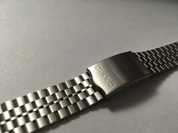 Image of NEW CASIO STAINLESS STEEL GENTS WATCH STRAP,18mm--( CO-2 ).