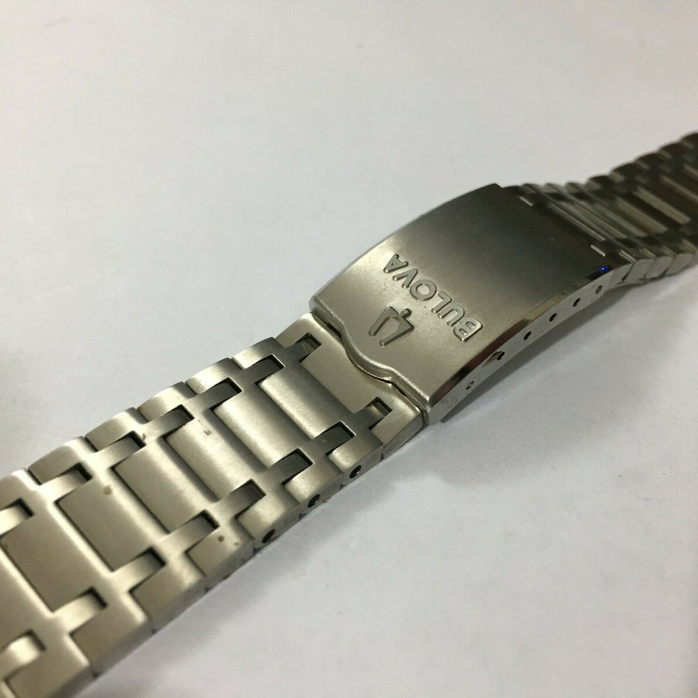 Image of BULOVA 18MM Stainless Steel Gents Watch,Curved Lugs,Clean.
