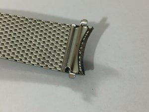 Image of VINTAGE MESH BULOVA MENS WATCH STRAP,18MM,CURVED LUGS.USED.