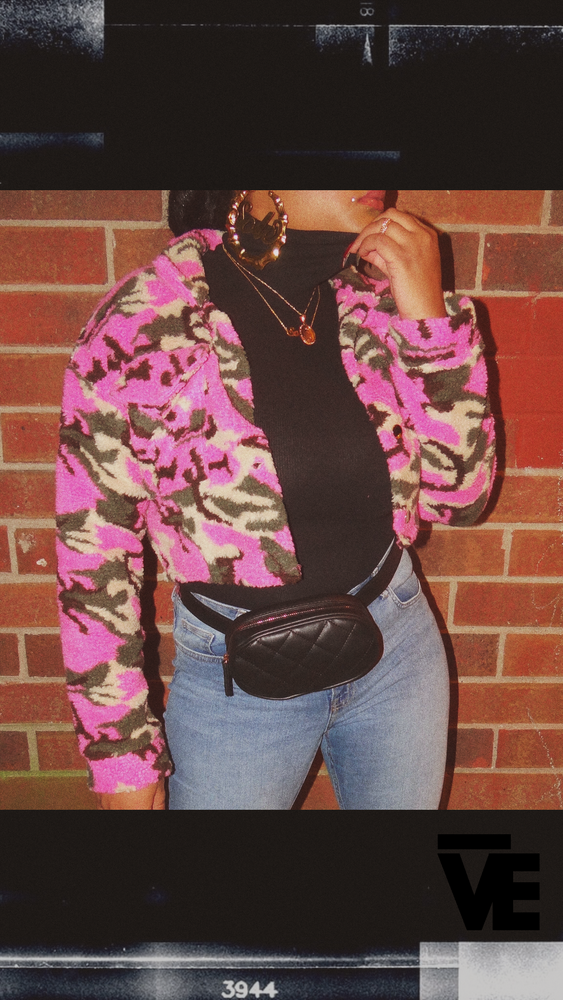 Image of Cropped Fleece Pink Camo Jacket