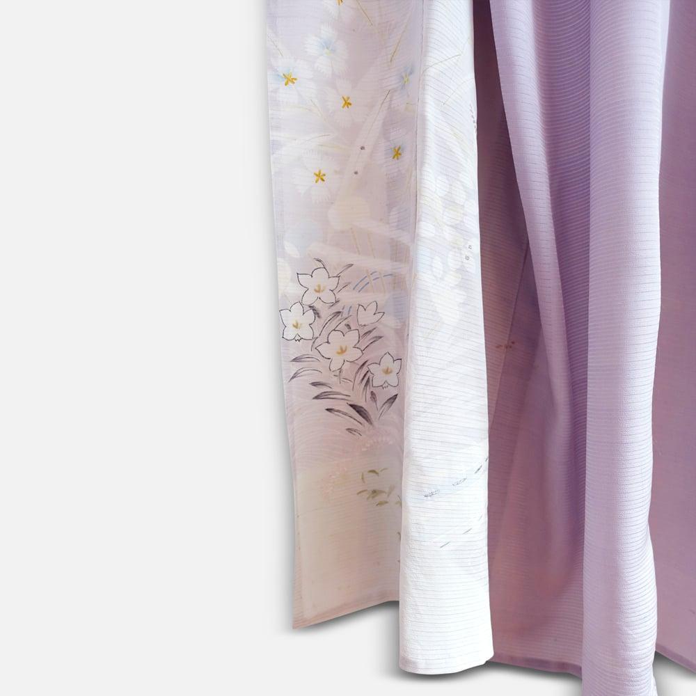 Image of Lys lilla Silke kimono med småblomster