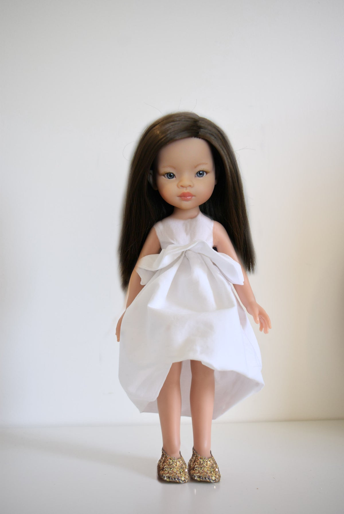 Image of COLLECTION poupées de Noël-IRIS - Poupée avec sa tenue