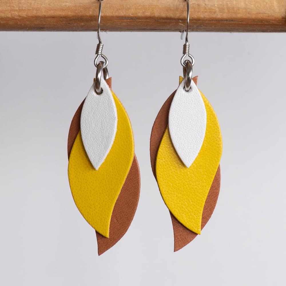 Image of Handmade Kangaroo leather leaf earrings - White, yellow, brown [LYE-175]