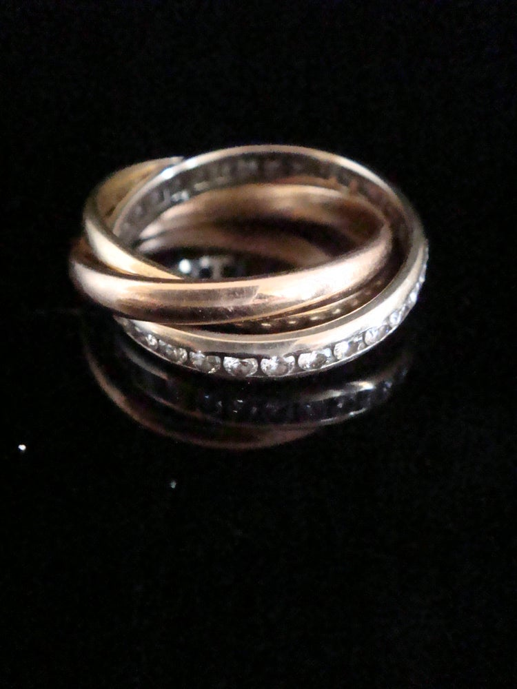 Image of Vintage 18ct tricolour Russian wedding band set with diamonds