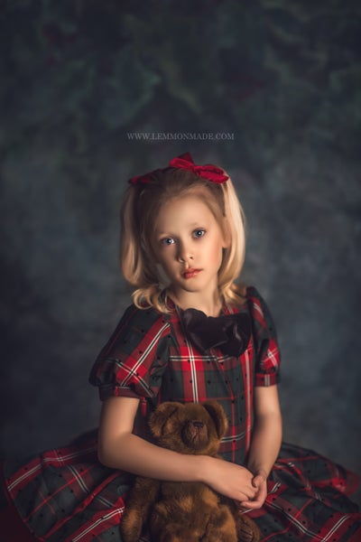 Image of Vintage Studio Holiday Sessions with Lemmonmade Photography