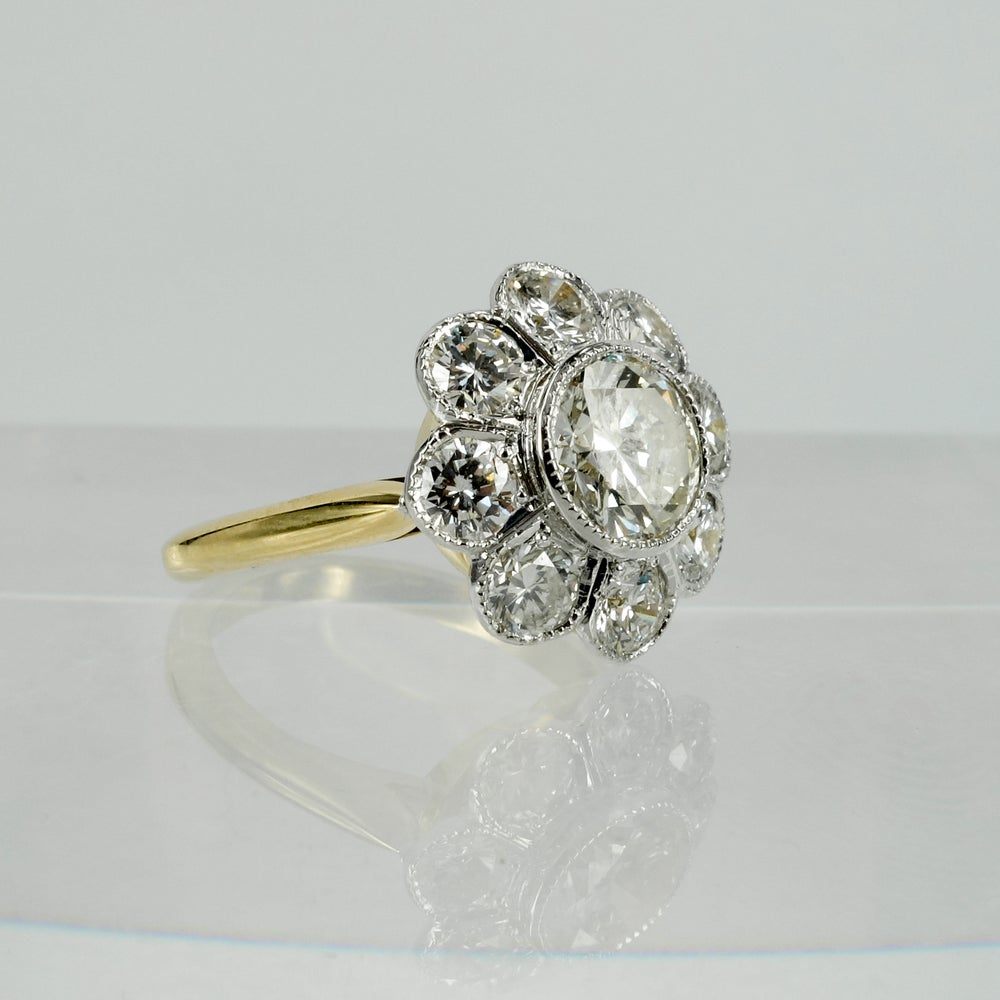 Image of 18ct white gold floral cluster