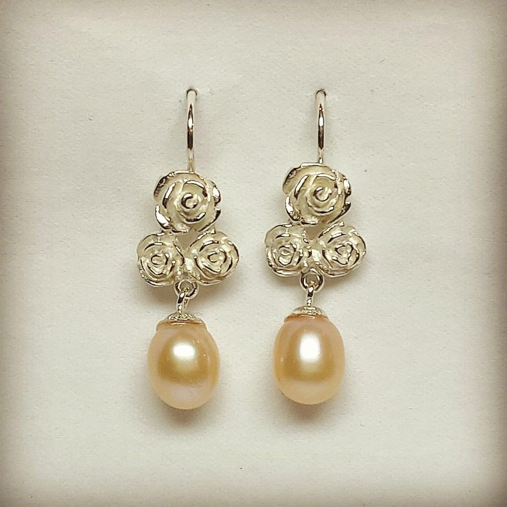 Beeld van Earrings Rose 3