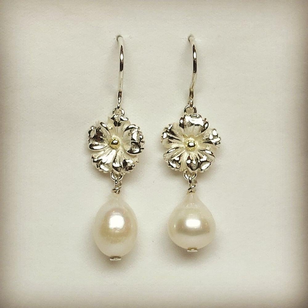 Beeld van Earrings Anemone