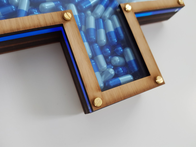 "Image of IMBUE ""DRUG LORD"" (SKY BLUE) LTD ED SCULPTURE OF 50 - 30CM X 20CM"