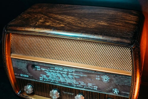 Image of AIRANE WOOD PARIS (1954) RADIO D'EPOCA BLUETOOTH