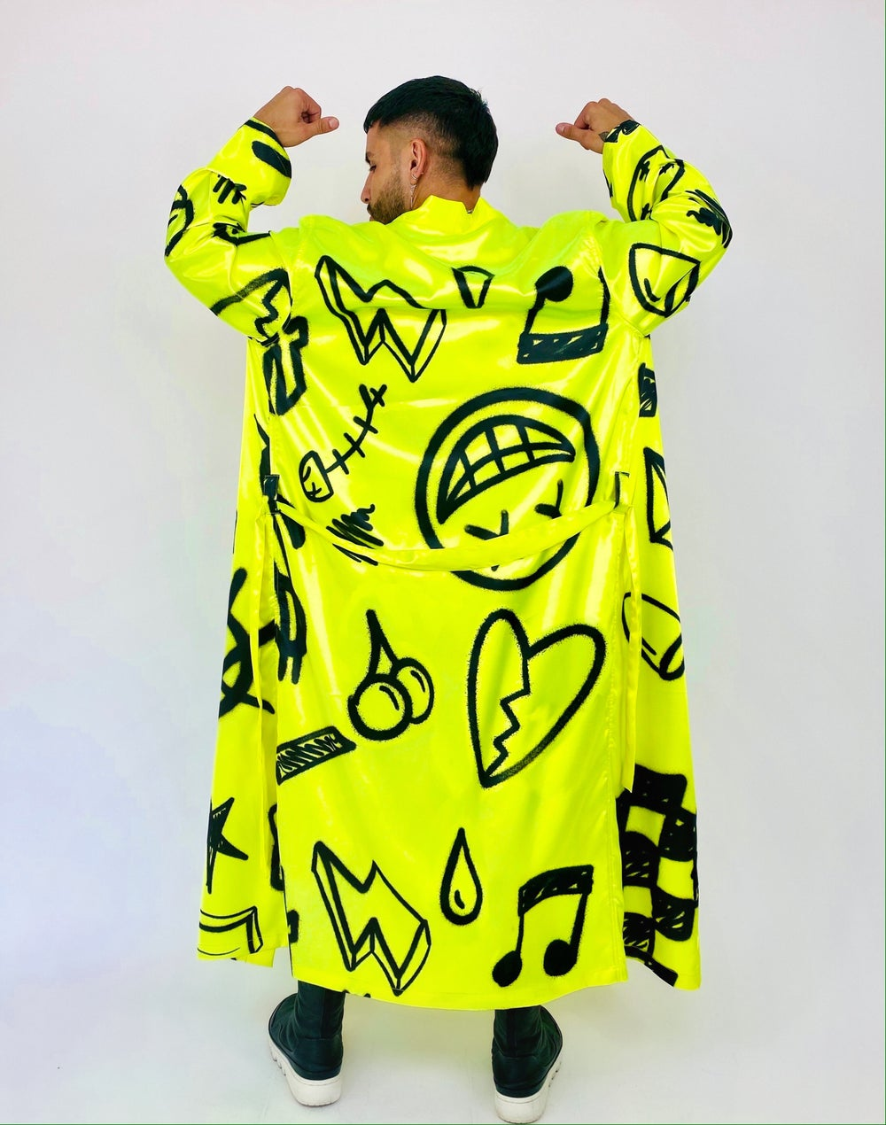Image of GRAFFITI ROBE SET
