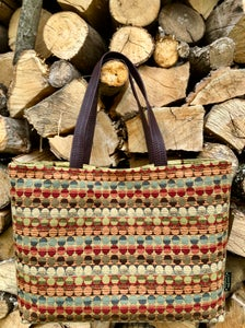 Image of Classic Tote  wider inner pocket