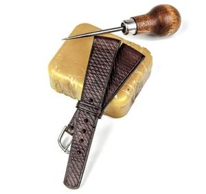 Image of SAMPLE SALE Heritage Cuir de Russie vintage watch-strap