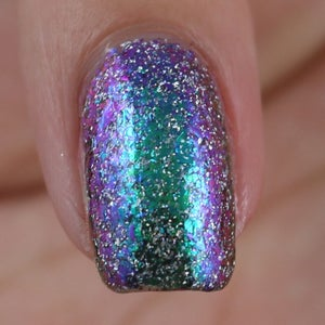 Image of Christmas at Hogwarts Ultra Chrome Chameleon Flakes in green, purple, blue and gold and holo flakes
