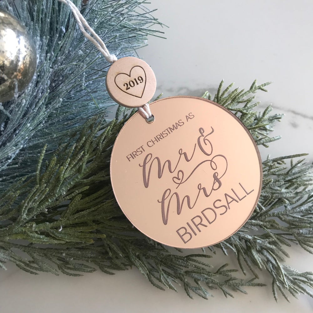 Image of Mr & Mrs Ornament