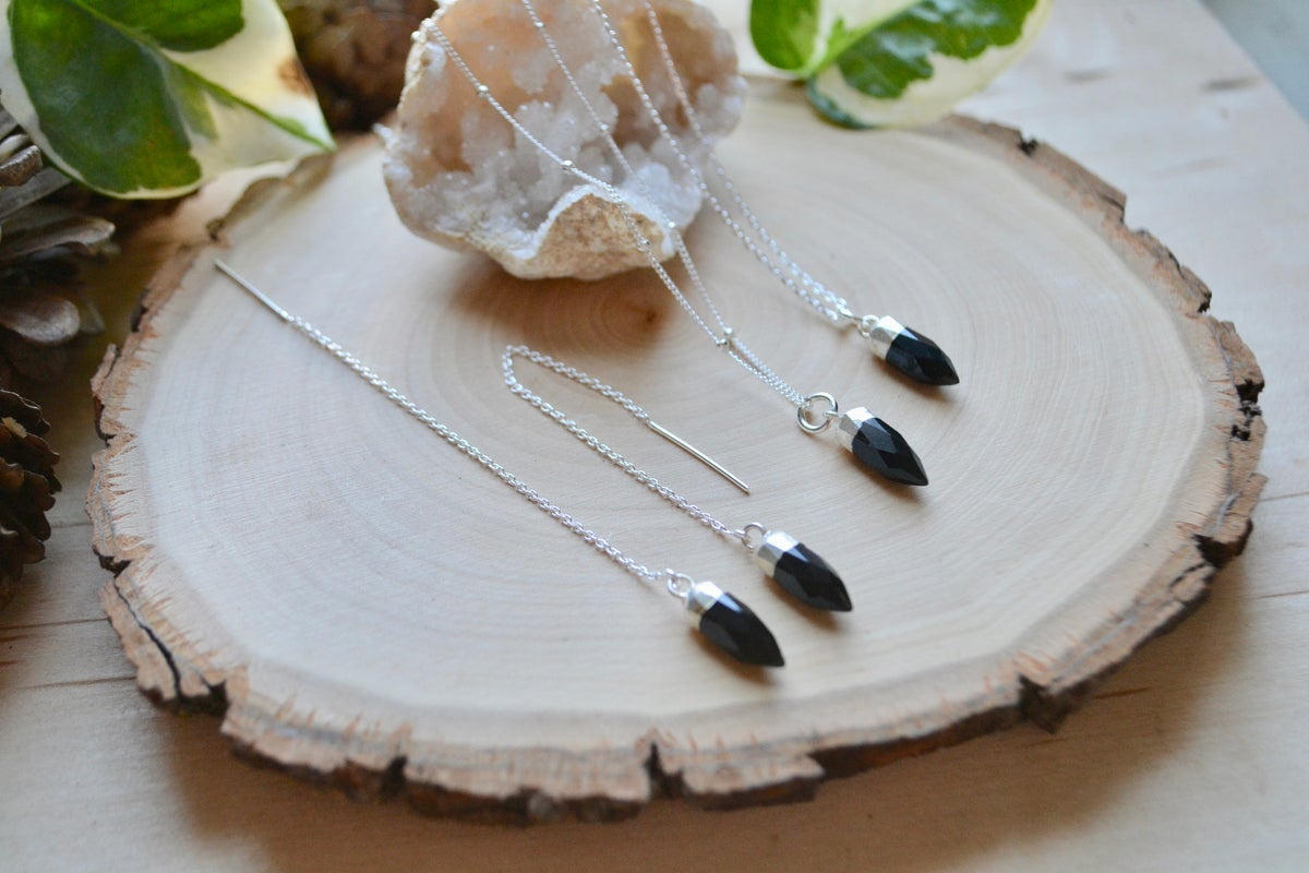 Image of Black onyx point necklace and thread earrings